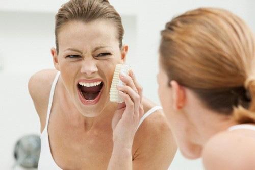 Hậu quả khôn lường khi dưỡng da sai cách - 1