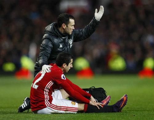 MU: Mourinho bị chỉ trích vì kìm hãm Mkhitaryan - 1