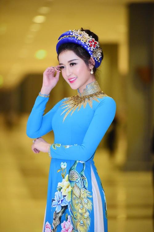 Huyền My e ấp với áo dài, đẹp lấn át cả dàn mỹ nhân Việt - 7
