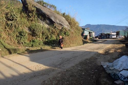 """Giới trẻ nô nức đi """"săn mây"""" ở bản Tà Xùa, Sơn La - 1"""