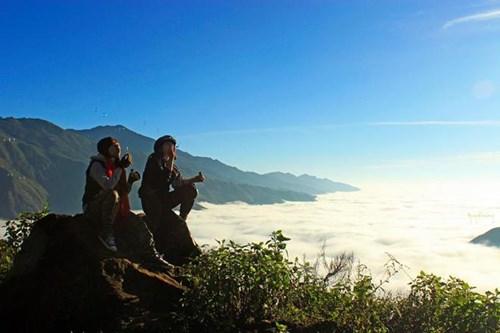 """Giới trẻ nô nức đi """"săn mây"""" ở bản Tà Xùa, Sơn La - 6"""