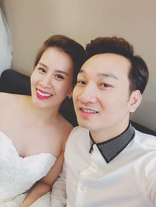 MC Thành Trung chuẩn bị cưới nữ tiếp viên hàng không? - 1