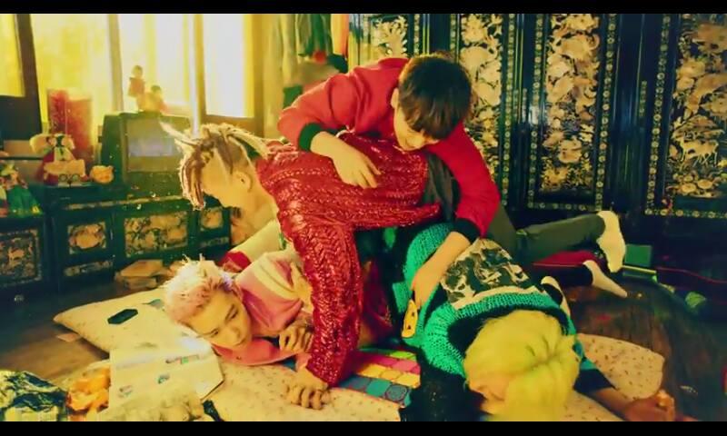 Big Bang lập kỷ lục với MV mới khiến dân tình chao đảo - 8