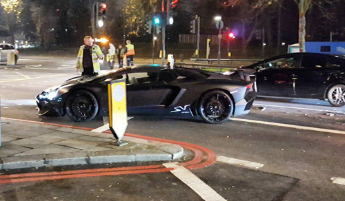 Sinh viên phá nát hàng hiếm Lamborghini Aventador SV - 2