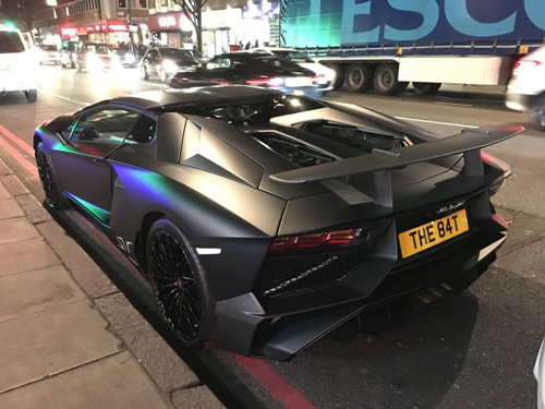 Sinh viên phá nát hàng hiếm Lamborghini Aventador SV - 5