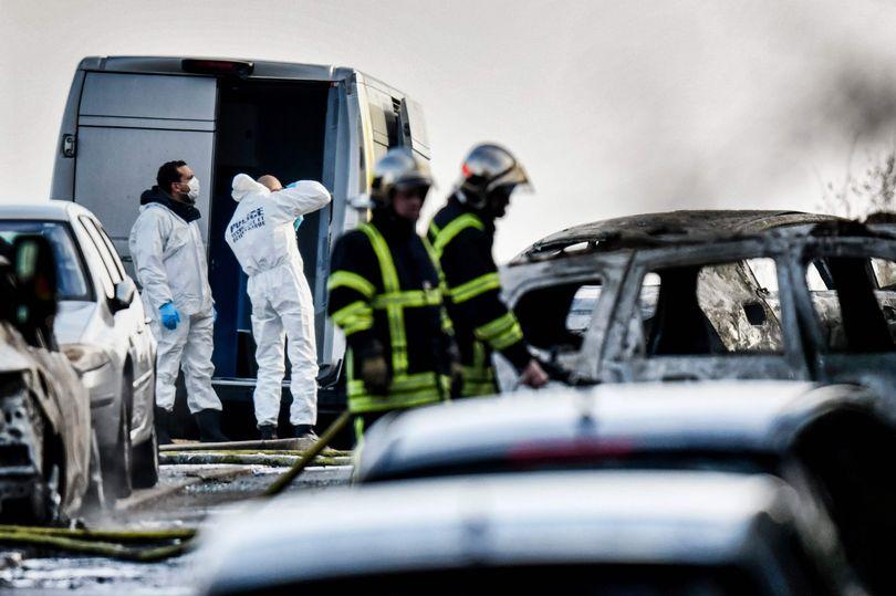 Pháp: Chặn xe bọc thép, cướp 70 kg vàng giữa phố - 4