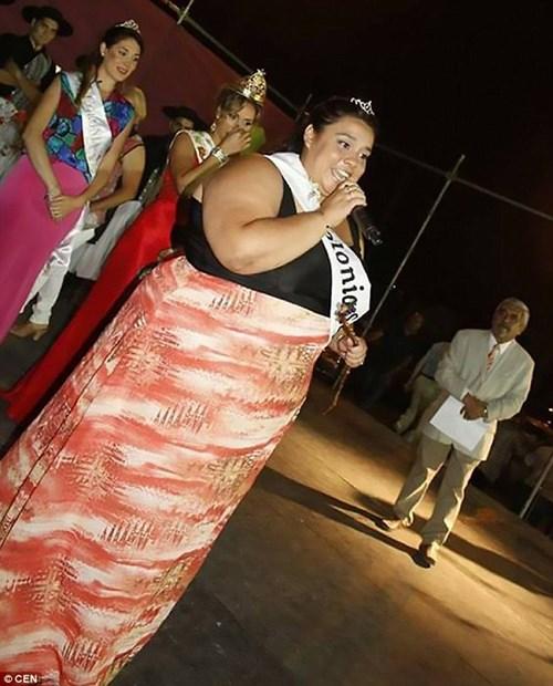 """Thiếu nữ nặng 122kg đoạt ngôi """"Nữ hoàng sắc đẹp"""" - 4"""