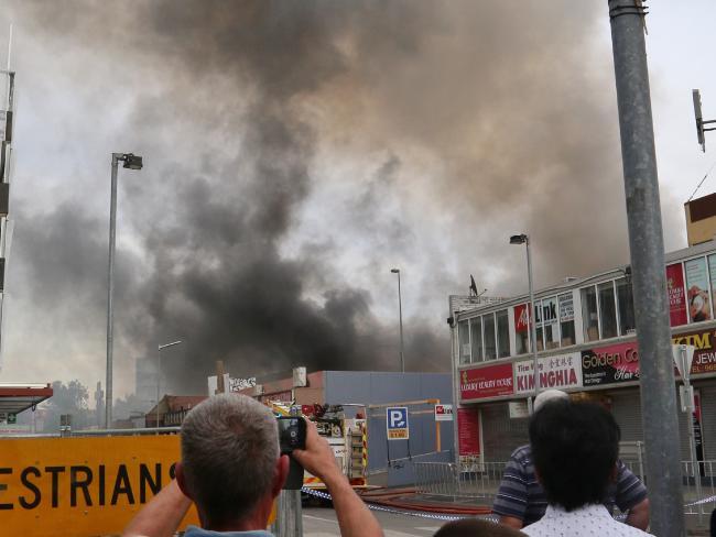 Cháy lớn chợ người Việt ở Úc, thiệt hại gần 300 tỉ - 1