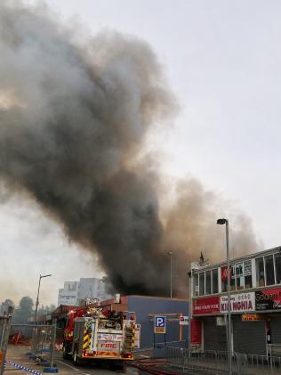 Cháy lớn chợ người Việt ở Úc, thiệt hại gần 300 tỉ - 2