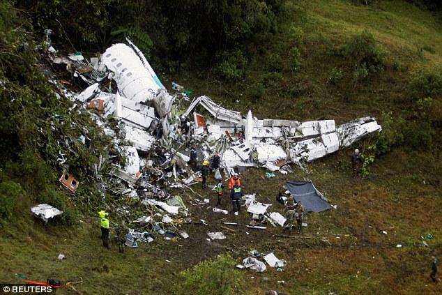 Đội bóng Brazil chết thảm vì máy bay rơi bị phạt 720 triệu - 1