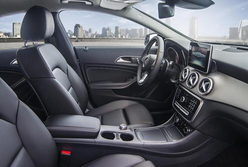 Mercedes CLA 2017 giá từ 1,5 tỷ đồng tại Việt Nam - 2