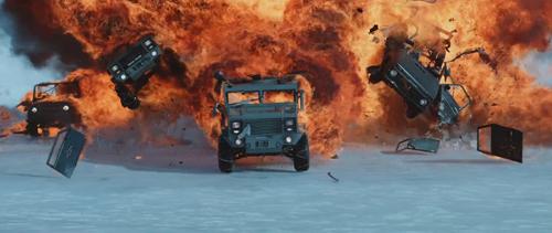 """Dàn siêu xe rượt đuổi """"nghẹt thở"""" trong Fast and Furious 8 - 5"""