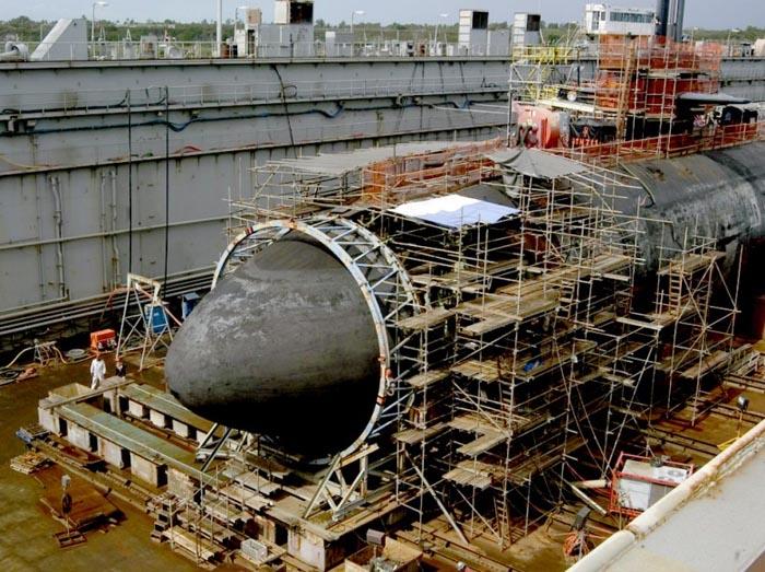 Đâm vào núi ngầm, tàu ngầm hạt nhân Mỹ thoát hiểm thần kỳ - 1