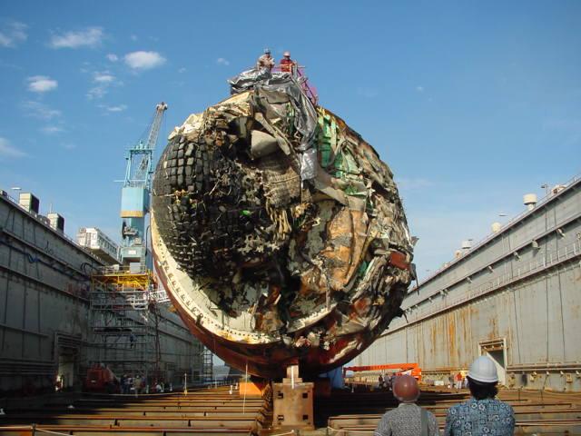 Đâm vào núi ngầm, tàu ngầm hạt nhân Mỹ thoát hiểm thần kỳ - 3