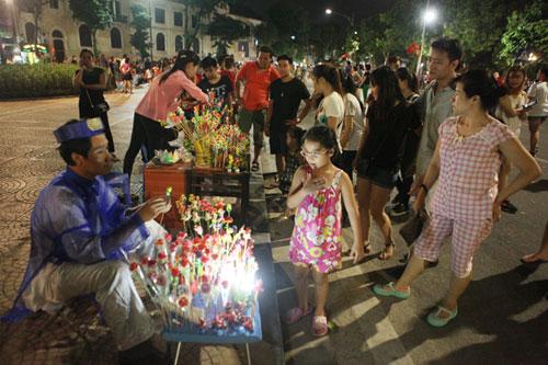 Dịp Tết âm lịch, Hà Nội sẽ không tổ chức phố đi bộ - 1