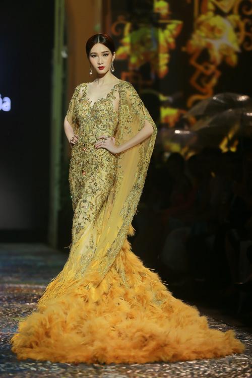 Đặng Thu Thảo lấn át dàn mẫu Việt với váy áo nữ thần - 2