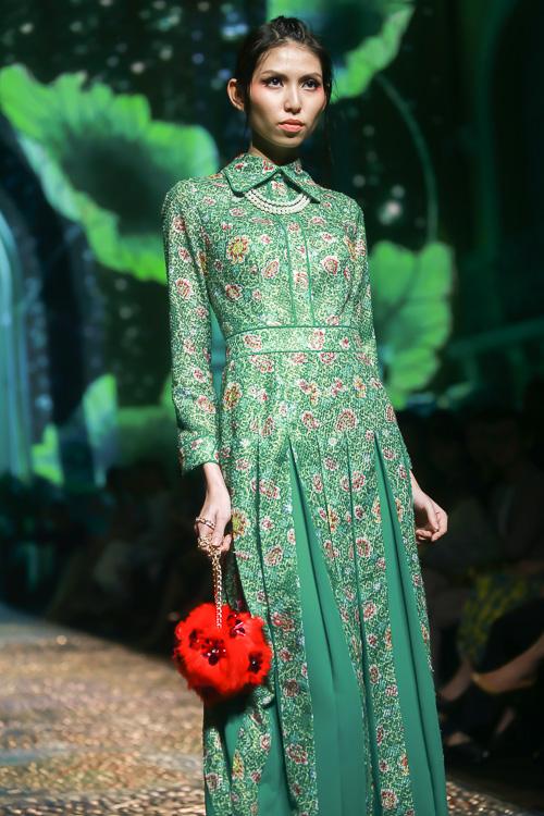 Đặng Thu Thảo lấn át dàn mẫu Việt với váy áo nữ thần - 10