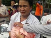 Tin tức trong ngày - Bé gái sơ sinh bị bỏ rơi trong thùng rác