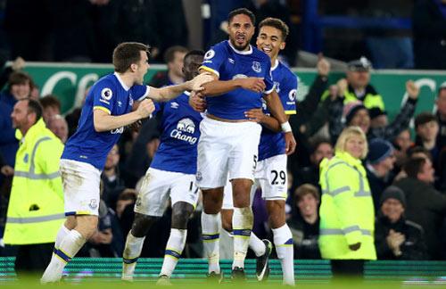 Everton - Arsenal: Đau tim phút bù giờ - 1