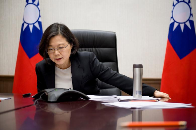 Mỹ kêu gọi Đài Loan tăng cường chi tiêu quốc phòng - 1