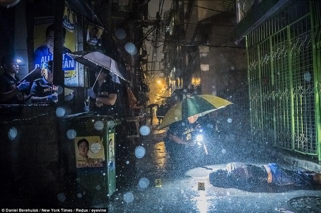 Trấn áp ma túy ở Philippines: 5.900 người bị bắn chết - 3