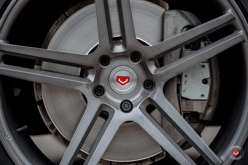 BMW X5 độ mâm Vossen 22 inch mạnh mẽ - 2