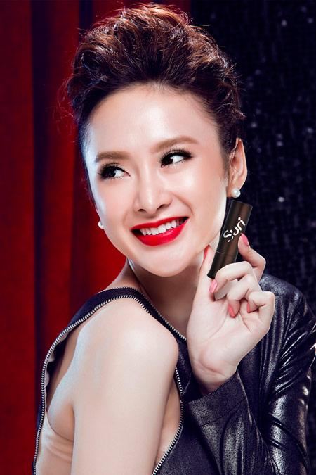 Bí quyết chọn son tông đỏ mùa lễ hội của Angela Phương Trinh - 3