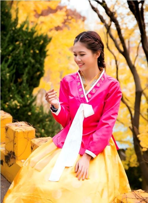 Mỹ Linh, Thanh Tú diện Hanbok đẹp không kém mỹ nhân Hàn Quốc - 6