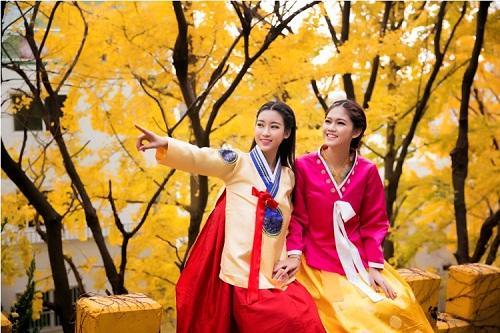 Mỹ Linh, Thanh Tú diện Hanbok đẹp không kém mỹ nhân Hàn Quốc - 8