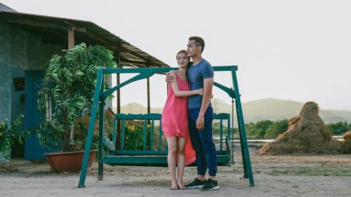 Khánh My hôn say đắm trai đẹp trong phim của Hoài Linh - 6