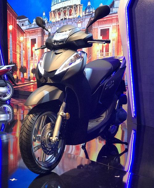 Honda trình làng SH300i ABS giá ngất ngưởng - 1