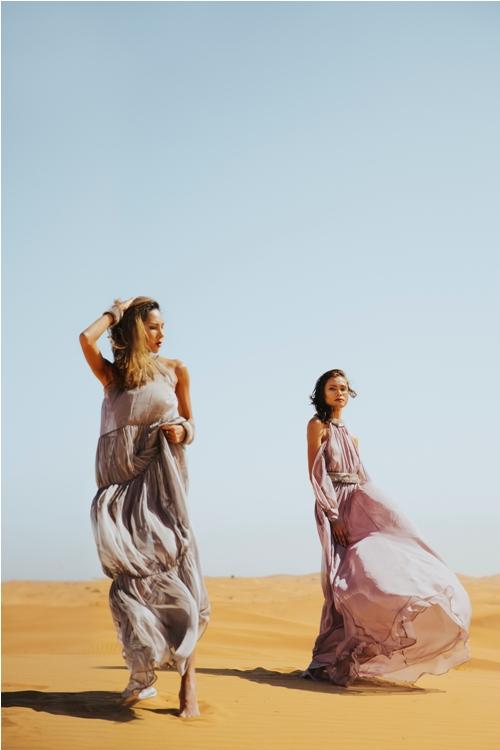 Minh Triệu khoe chân dài miên man giữa sa mạc thiêu đốt - 1