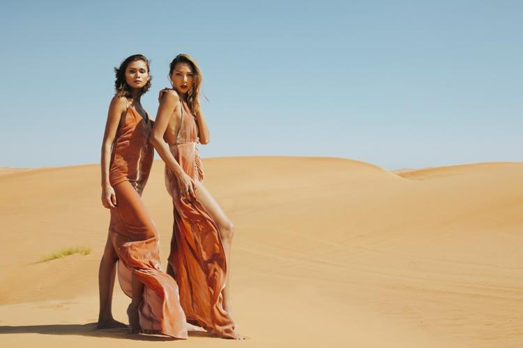 Minh Triệu khoe chân dài miên man giữa sa mạc thiêu đốt - 6