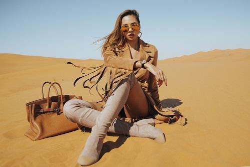 Minh Triệu khoe chân dài miên man giữa sa mạc thiêu đốt - 10