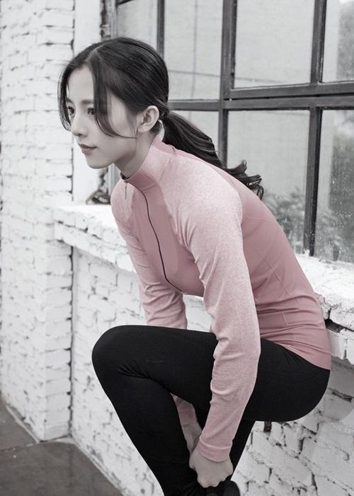 """Hoa khôi đại học TQ khoe dáng """"chuẩn không cần chỉnh"""" - 8"""