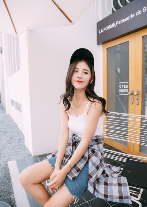 """Hoa khôi đại học TQ khoe dáng """"chuẩn không cần chỉnh"""" - 10"""