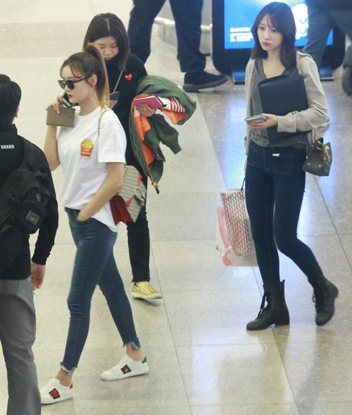 Nhóm nữ 18+ xứ Hàn gây náo loạn sân bay Tân Sơn Nhất - 2