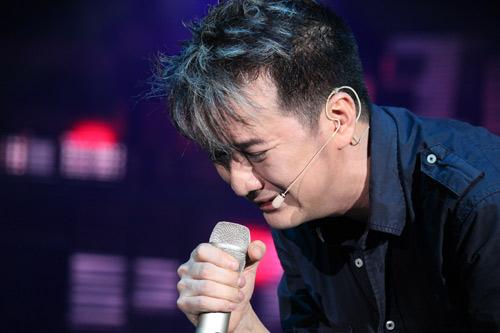 Sao Việt thương cảm khóc theo Mr. Đàm - 1