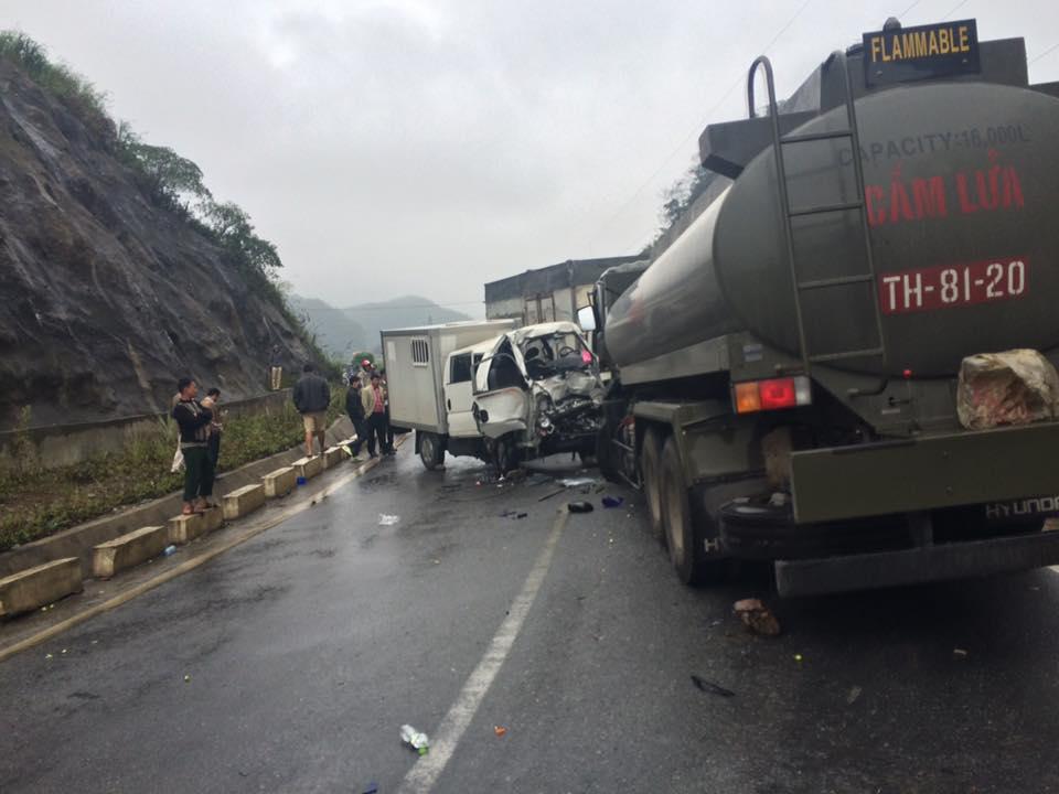 Hòa Bình: Xe chở phạm nhân gặp nạn, 5 người bị thương - 1