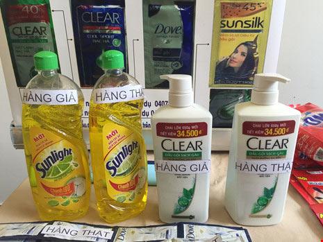 Bột nêm, bột giặt, dầu gội…giả như thật - 5