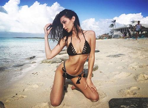 """Dàn chân dài khủng mặc bikini """"đại náo"""" trên biển - 4"""
