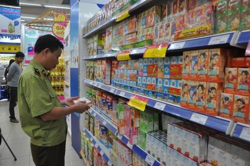 Kiểm tra hàng tết tại các siêu thị, cơ sở sản xuất lớn - 1