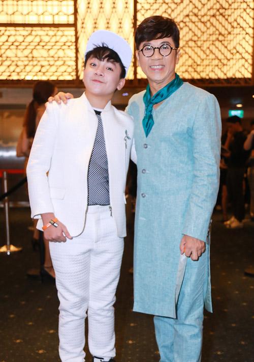 Hoàng Thuỳ Linh diện váy xẻ sâu tại lễ trao giải âm nhạc - 7