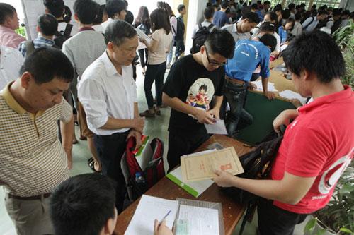 HN: Học sinh lớp 12 sẽ thi học kì I giống như thi THPT Quốc gia - 1