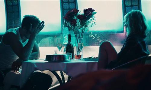 Bộ phim đầy cảnh nóng về hôn nhân trần trụi của người lớn - 3