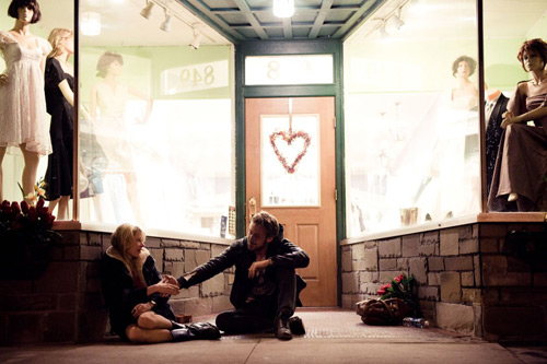 Bộ phim đầy cảnh nóng về hôn nhân trần trụi của người lớn - 2