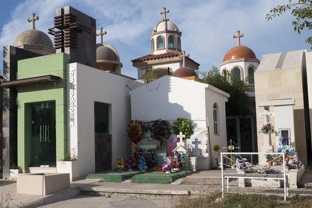 Nghĩa trang siêu sang, chống đạn của trùm ma túy Mexico - 4