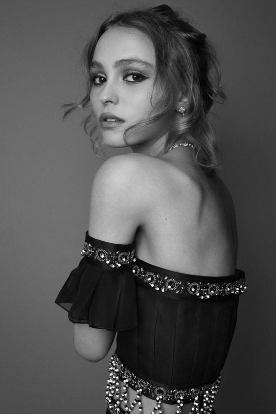 """Vẻ đẹp """"sắc nước hương trời"""" của con gái tài tử Johnny Depp - 4"""
