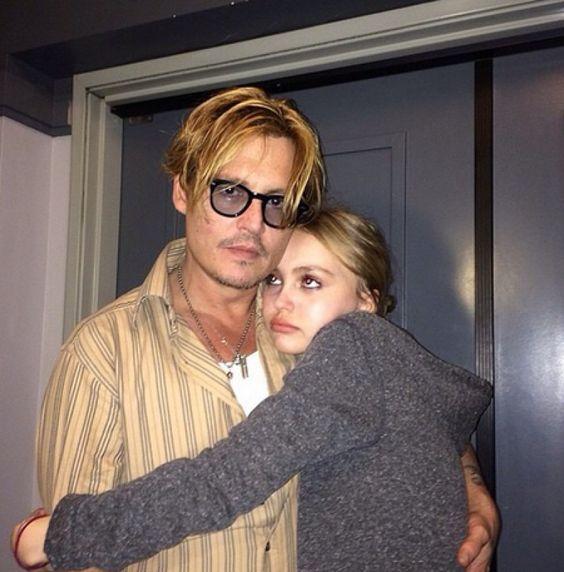 """Vẻ đẹp """"sắc nước hương trời"""" của con gái tài tử Johnny Depp - 14"""