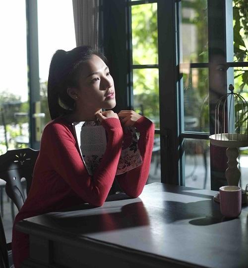 """""""Choáng"""" với mặt mộc dung dị của Á hậu MC Hoàng Oanh - 3"""